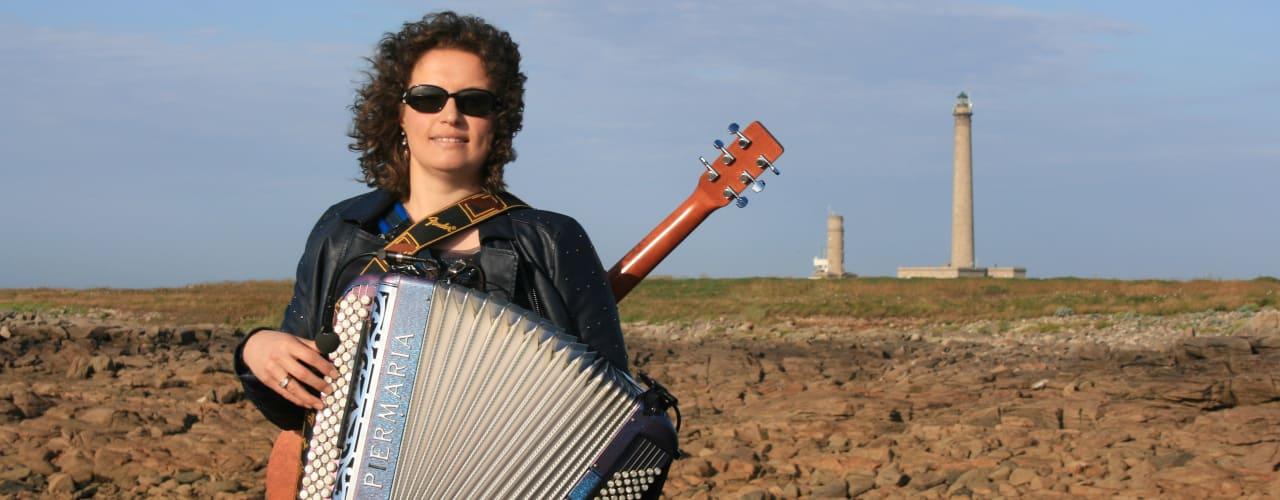 gwennaelle le grand accordeon guitare phare gatteville